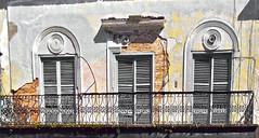 Arquitectura (JOSEAN GOMEZ) Tags: architecture digital arquitectura doors shadows oldsanjuan puertorico colores textures amarillo sombras texturas viejosanjuan digitalphotography puertas samsungmv800