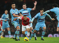 Theo Walcott takes on the West Ham defence (Stuart MacFarlane) Tags: england london football unitedkingdom soccer arsenal gbr westham premierleague clubsoccer westhamunitedfc englishpremierleague englishsoccerleague