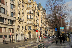 Avenue du Prsident Kennedy - Paris (France) (Meteorry) Tags: paris france europe afternoon crossing faades sunday january facades zebra moto intersection motor aprsmidi dimanche passy kenney pontdebirhakeim meteorry haussmannien viaducdepassy 2013 avenueduprsidentkenney