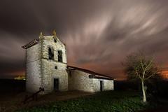 El fin de los dias (raul_lg) Tags: espaa storm clouds canon noche spain iglesia bilbao cielo nubes tormenta nocturna paisvasco largaexposicion canon1635 solarforce canon5dmarkiii raullg