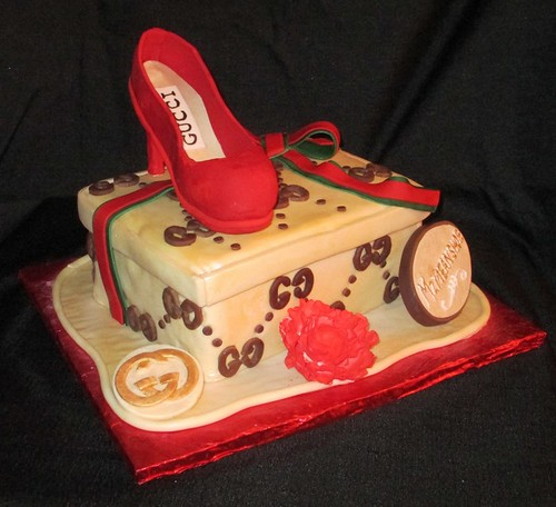 gucci Shoe And Shoebox Fashionista Fondant Cake
