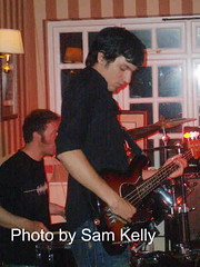 Taka_Boom_Bass (Boogaloo Promotions) Tags: 2005 paul bill tim weekend blues aves boom jam taka hurley promotions bembridge boogaloo jobson warners