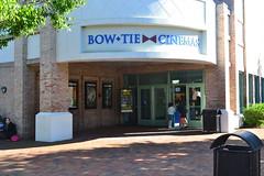 Bow Tie Cinemas (Kimco Realty) Tags: shopping connecticut gap chouchou athletesfoot stopshop bowtiecinemas kimcorealty kimcotenants wiltonriverpark kimcoshoppingcenters kimcoretailers