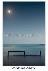 Marea alta (Daniel Viñe fotografia) Tags: moon beach de geotagged la daniel playa andalucia luna pasarela cadiz nocturna alta garcia fotografia seda frontera chiclana marea barrosa sowhat viñe preamar geo:lat=3637658000 geo:lon=619484000