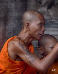 Cambodia -   Siem Reap - monk with aprentice (Rui Trancoso) Tags: cambodia siam reap angkor wat