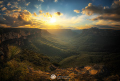 Butterbox Point Sunset_.jpg (Gary Hayes) Tags: australia sunsrisesunset grosevalley landscape cloudscapes newsouthwales bluemountains