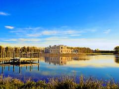 The Grand Veiw (Gadgetman@Nikon) Tags: elements newzealand castle water jetty interesting sky blue meechin