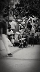 sons da praa (luyunes) Tags: musica praa som gente motomaxx luciayunes