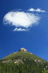Perle de lait. (Sylvain Bretheau) Tags: blue sky cloud nature montagne canon eos milk bleu mount ciel lait pearl nuage mont moutain perle colline 500d mamelon