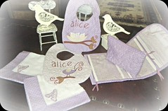 BaBy ALiCe (DoNa BoRbOlEtA. pAtCh) Tags: baby birds handmade application passarinhos quiltlivre nécessaire frasqueira paninhodeboca mantasoft donaborboletapatchwork