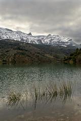 Quiebrajano (8) (EDU S.G.) Tags: españa snow reflection water rio river spain nikon nieve paisaje pantano sierra sight jaen presa jaén reflejos guadalcazar quiebrajano