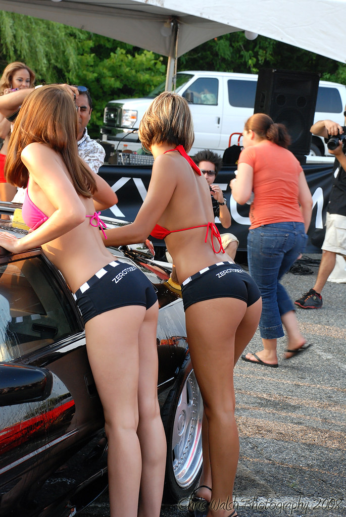 show ass Car girls