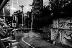 (leo.eloy) Tags: brasil zeiss grafitti saopaulo sp rua fotografia onibus distagont235 zf2 selvasp