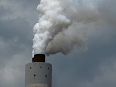 Smokestack at Brunner Island Steam Electric Station (SchuminWeb) Tags: schuminweb ben schumin web august 2016 pennsylvania pa brunner island steam electric station brunnerislandsteamelectricstation york county east manchester township twp power plant plants industrial coal fired coalfired smokestack smoke stack smokestacks stacks cloud clouds infrastructure infra structure infrastructural structural generation generator generators generating electricity powered industry industries factory factories gray white