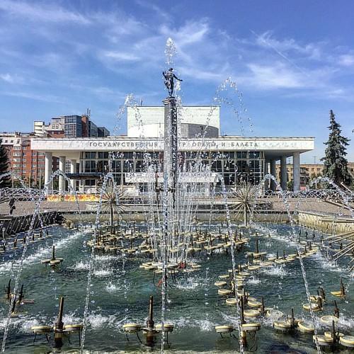 #russia #krasnoyarsk #fall #cheralex #operahouse #красноярск #осень #театроперыибалета
