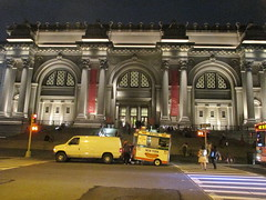 Metropolitan Museum of Art Night Fountains 5049 (Brechtbug) Tags: metropolitan museum art lobby exterior facade front entrance stairs outside building new york city summer 09102016 nyc cityscape east skyline urban afternoon july 2016 arts gallery buildings sculpture architecture statue crowd crowds met museums manhattan uptown 5th ave fifth avenue arch arches nite night time evening fountain fountains