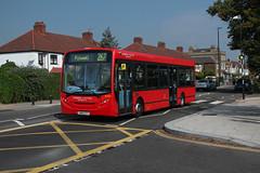 Rare Working: Route 267, London United, DLE25, SN60ECV (Jack Marian) Tags: route267 londonunited dle25 sn60ecv alexander alexanderdennis dennis alexanderdennisenviro200dart enviro e200 enviro200 hammersmith hammersmithbusstation fulwell fulwellbusgarage westmiddlesexhospital isleworth buses bus london rareworking