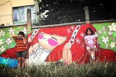 hermanas (alterna ►) Tags: chile plaza santiago color muro graffiti central sanjose niña elena estacion natalia boba juego muralla pelo alterna alternativa 2013 superboba alternaboba