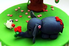 San Valentino - DSC_4165 (SaleCaramello) Tags: elephant flower love cake hearts mouse heart valentine cuori cuore amore torta elefante topolino sanvalentino cupido 14febbraio 14thfebruary pastadizucchero