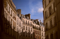 Paris street (Randy Durrum) Tags: summer paris france clouds photoshop canon europe touch s95 dailyfrenchpod durrum leuropepittoresque canons95