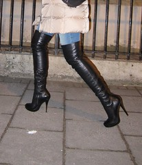 City trip: going out for dinner (Rosina's Heels) Tags: leather high pumps boots thigh heel stiletto overknee boos