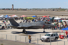 "Lockheed Martin F-35B Lightning II of VMFA-121 ""Green Knights"" from MCAS Yuma (Norman Graf) Tags: green usmc plane airplane aircraft airshow knights stealth marines jsf jointstrikefighter f35 unitedstatesmarinecorps lockheedmartin shorttakeoffverticallanding stovl 5thgeneration vmfa121 marineaviation lightningii mcasyuma mag13 vk16 3rdmarineaircraftwing 3rdmaw greenknights f35b 168718 marineaircraftgroup13 fifthgenerationfighter marinefighterattacksquadron121"