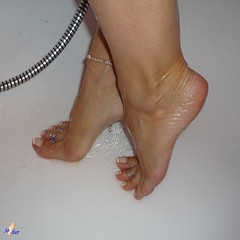 Sofeet - Show(er)time (Sofeet !) Tags: sexy feet wet female french shower nice toes pretty toe arch sweet bare nail ring tips pedicure ankle anklet sofeet