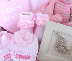 new-baby-girl-gift-hamper-rosie-two (Labours Of Love Baby Gifts) Tags: nappycake newbabygifts babygifthamper babygiftbox nappycakesuk nappycakeuk babygifthampers napycakes newbabygiftmbabygiftboxes