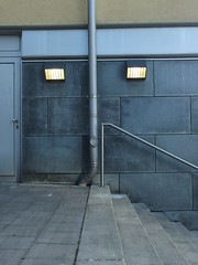 Found Lamp Face (mkorsakov) Tags: dortmund nordstadt hafen foundface treppe stairs fallrohr lampe lamp grau grey