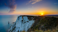 The colours of East Sussex coast (TanzPanorama) Tags: coast cliff england eastsussex beachyhead sunset sunstar cloud wispy water sea horizon waterscape tanzpanorama sony sonya7ii sel1635z ilce7m2 fe1635mmf4zaoss lighthouse coastline