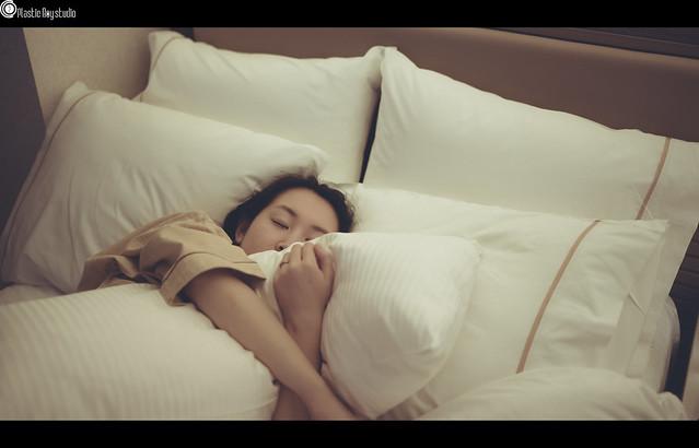 一緒に寝る人の心理|カップル/友達/夫婦/元カレ/付き合ってない