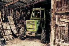 Green Tractor (effevvù) Tags: wood tractor cabin hut shack hdr tonemapping d7000