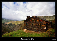 Sierra de Aylln (Pogdorica) Tags: textura casa guadalajara sierra nubes vista refugio piedra cruzadas ayllon sierradeaylln cruzadasgold