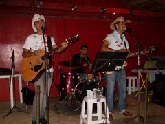 Virgolndia 2009 - Seresta Clube do Sitio (Robert & Deivis) Tags: robert de fotos e cantores dupla valadares governador deivis sertanejos