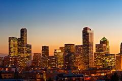 Glow (SeattleSandro) Tags: seattle sunset skyline slowshutter