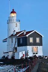 Vuurtoren / Lighthouse (Piet Bink (aka)) Tags: longexposure lighthouse ice closeup night evening nacht vuurtoren marken ijs nightpics nightpic nachtopname nightcaptures paardvanmarken d7000