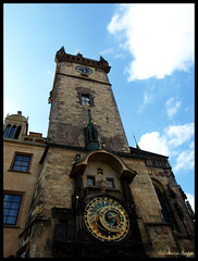The astronomical clock (DameBoudicca) Tags: tower clock torre tour prague prag praha praga tschechien reloj czechrepublic torn ur horloge turm orologio rpubliquetchque astronomicalclock uhr czechia repblicacheca chequia klocka orologioastronomico repubblicaceca hodiny esko eskrepublika tjeckien horlogeastronomique relojastronmico tchquie rathausuhr praskorloj pragueorloj cechia staromstskorloj orologioastronomicodipraga relojastronmicodepraga pragerrathausuhr astronomisktur horlogeastronomiquedeprague
