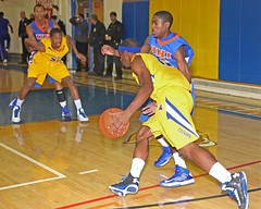 D_77508A (RobHelfman) Tags: sports basketball losangeles university highschool playoff crenshaw unihi trevelgarrett chimezieebiriekwe