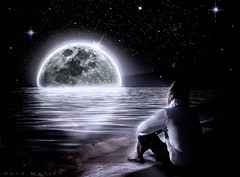 ... my thoughts and I !! (oroyplata.) Tags: moon noche bright luna thinking nigth brillante