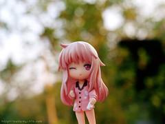 >> หนูมาชิโระ กับ กกน ในมือ o_O