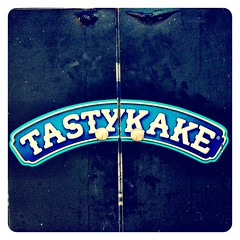 Tasty. (infa_reds) Tags: california blue oneaday lunch photography march losangeles spring yummy santamonica treats perspective saturday tasty lunchtime delicious socal 365 pictureoftheday iphone picoftheday foodtruck tastykake niceday 2013 itstheweekend nomnom uploaded:by=flickrmobile flickriosapp:filter=nofilter