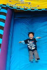 04-13C16-N1213 (PhotoSensei) Tags: birthdayparty pumpitup 6thbirthday jumpycastles sixthbirthday photosensei copyright2013paulmcgavin jumpyslides
