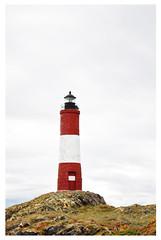 Les claireurs (Roco Lator) Tags: lighthouse faro tierradelfuego ushuaia findelmundo leseclaireurs faroleseclaireurs leseclaireurslighthouse