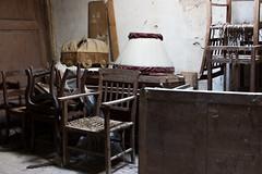 Dust ([Rirri]) Tags: dust polvere soffitta garrit chair sedia light luce toscana tuscany valdorcia siena italia italy table lamp lampada tavolo legno wood ragnatela web cobweb