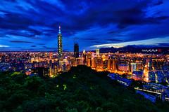 2016-8-12 101 (Taipei Xiangshan Night View) ((Su Bo-An)) Tags: taiwan taipei taipei101 xiangshan night view nightview 101 d3100 atx 116 atx116 1116 1116mm tokina f28 pro dx ii tokinaatx1116mmf28prodxii tokina1116mm t116 xinyi district xinyidistrict city taipeicity 2016 08 0812 201608 20160812   101