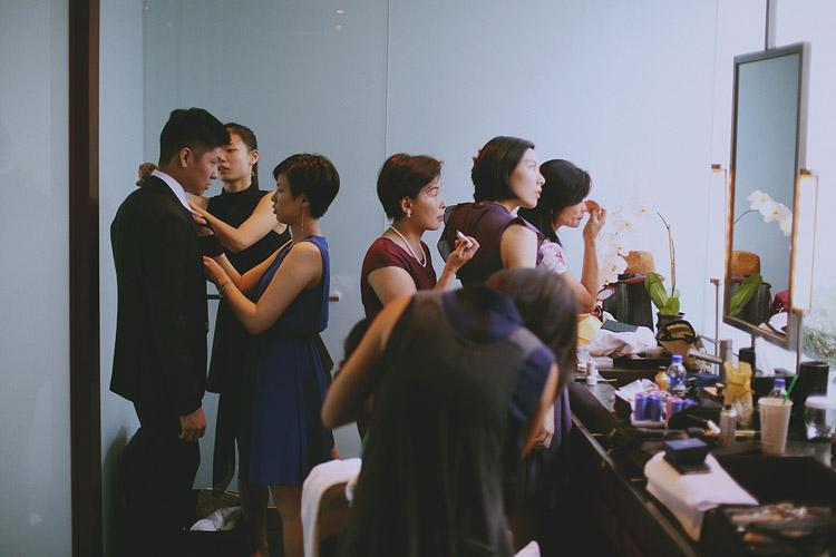 婚禮攝影-一堆人化妝