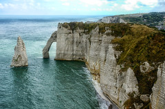 The Aval's Door and the Needle (marko.erman) Tags: normandie normandy france etrtat cliffs falaises natural arch nature beautiful beach shore ocean sea atlantic water sky horizon perspective wide angle pov travel popular landscape panorama depth extrieur paysage eau needle falaisesdaval