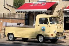 TSO 452R (Nivek.Old.Gold) Tags: 1977 renault estafette flatbed pickup 1289cc lamaisondusteak legrosfranck linglingssteamkitchen saussicemonamour