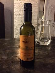 """Montevideo: un petit vin uruguayen que nous a fait goûté la touriste brésilienne de notre casa. Pas terrible... <a style=""""margin-left:10px; font-size:0.8em;"""" href=""""http://www.flickr.com/photos/127723101@N04/29668497901/"""" target=""""_blank"""">@flickr</a>"""