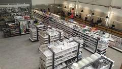 20160930 - Dunelm Milton Keynes MK new format (29) (www.caem.net) Tags: dunelm mk milton keynes lighting display houseware homeware tn9 queue shelving scaffalature rayonnage maison